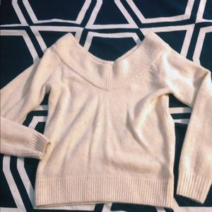 H&M OFF THE SHOULDER CREAM SWEATER ⚡️